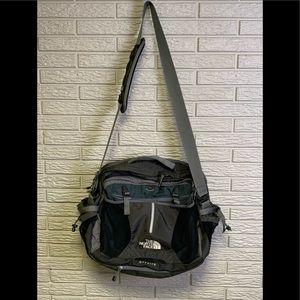 The North Face OFFSITE Gray & Black Messenger Bag